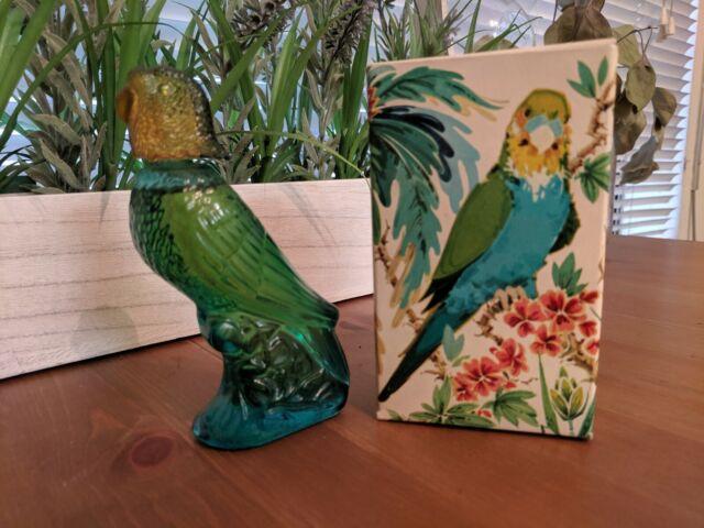 NEW Vtg Avon Bottle Island Parakeet Bird Moonwind Cologne Full 1.5 fl. oz in box