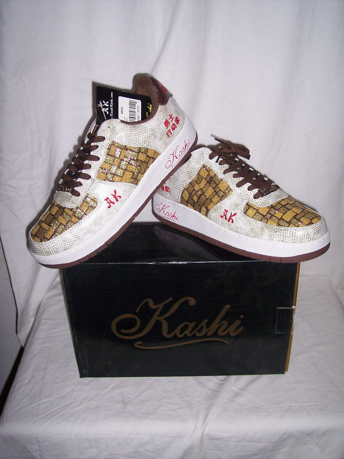 New Men's Kashi Sneaker AK01 White Snakeskin pattern gold Plaid Tops Size 12