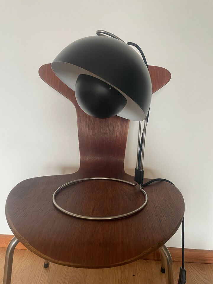 Verner Panton, Vp4, bordlampe