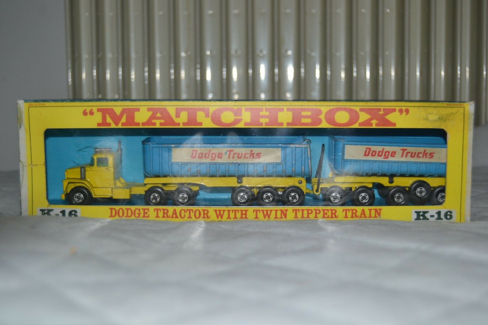 nueva marca Matchbox KingTalla K-16 Dodge Dodge Dodge Trucks Tractor LKW with Twin Tippers Box  compras de moda online
