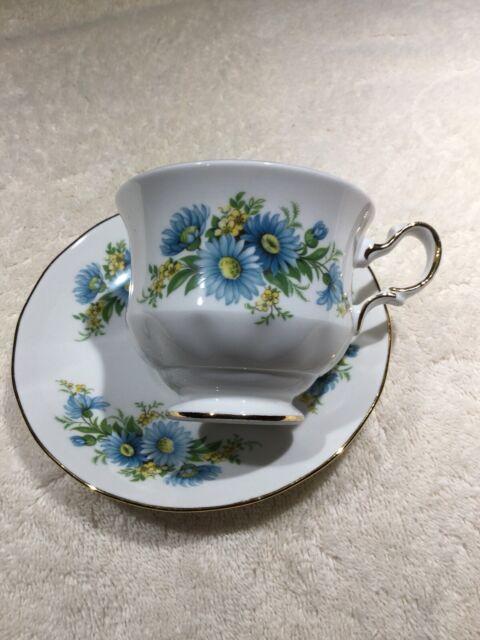 Queen Anne Fine Bone China England Tea Cup & Saucer Blue Flowers Gold Trim