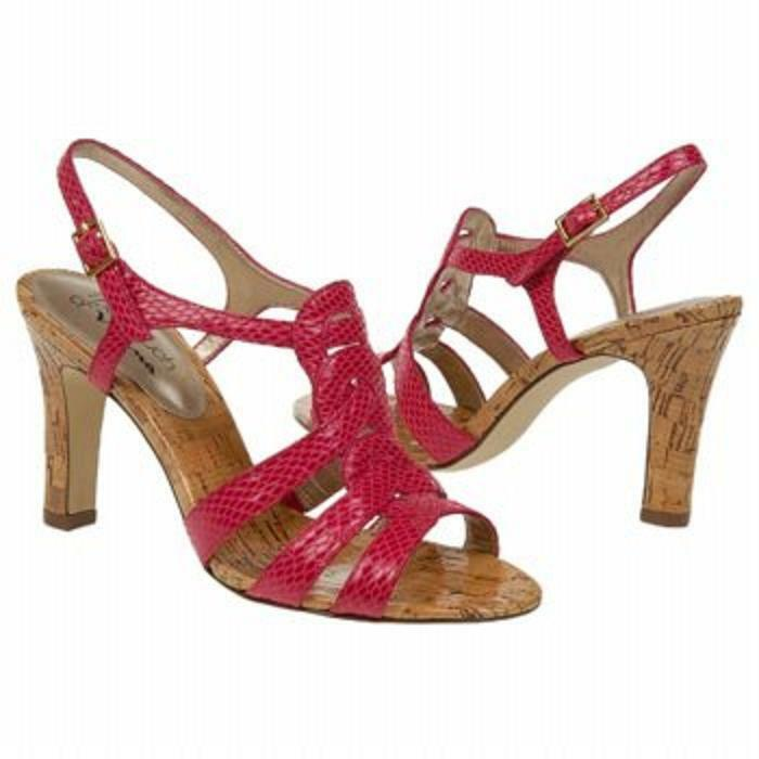 Nina Larado snake grained sandal 4  heels BERRY 10 Md NEW