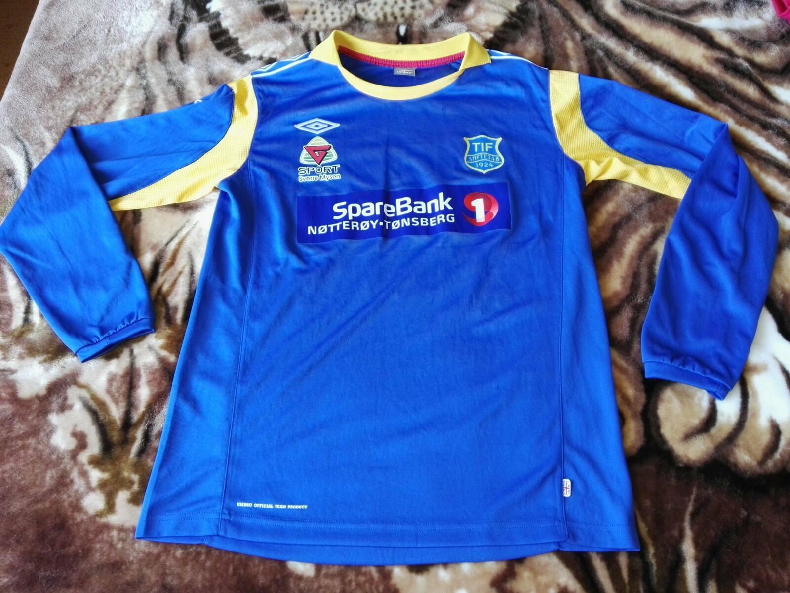 RARE tifstiftet 1924 1924 1924 Norvegia Calcio Shirt vinrage UMBRO   8 Taglia L stile retrò distintivo 034