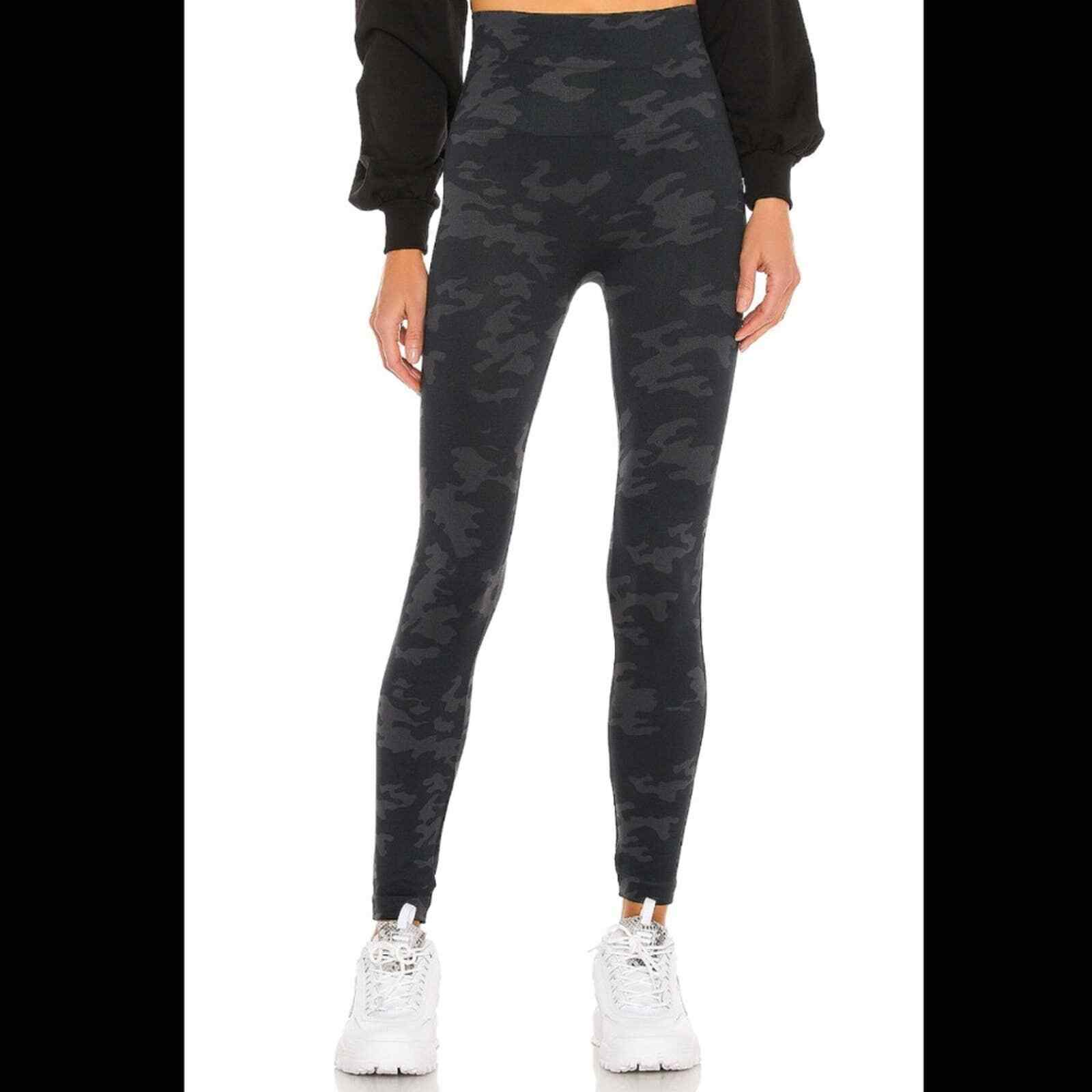 Spanx Look At Me Now Seamless Camo Leggings