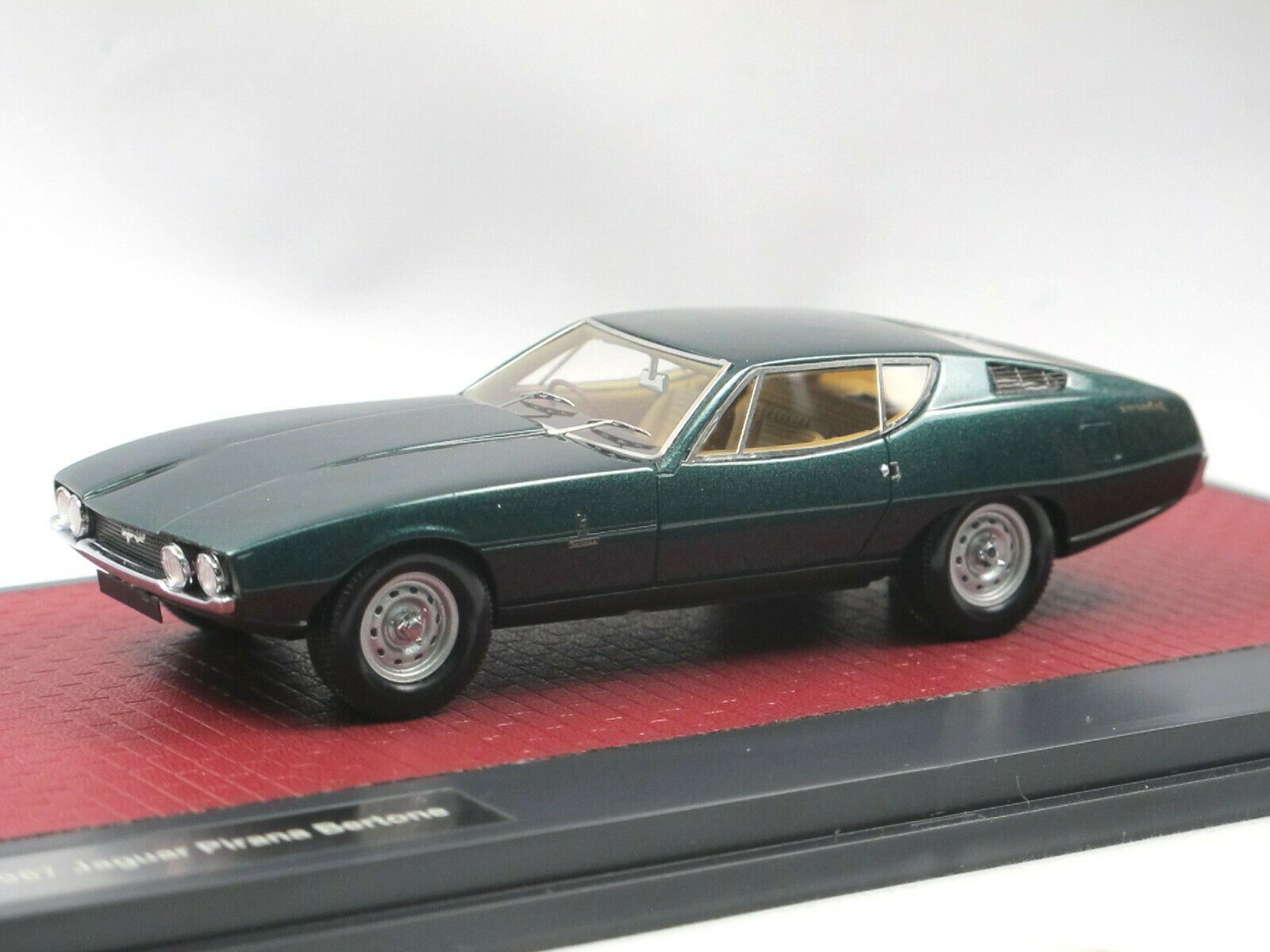 compra limitada Matrix scale scale scale models 1967 bertone Jaguar Pirana Coupe verde 1 43 Limited Edition  ahorra 50% -75% de descuento