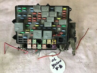 GMC Yukon XL 1500 2003-2006 Under Hood Engine Fuse Relay ...
