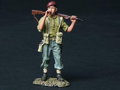 THOMAS GUNN WW2 BRITISH NORMANDY GC008A THE REBEL PARATROOPER SMOKING MIB
