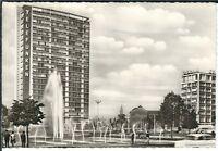 Ansichtskarte Berlin - Ernst Reuter Platz mit Passanten und Springbrunnen - s/w