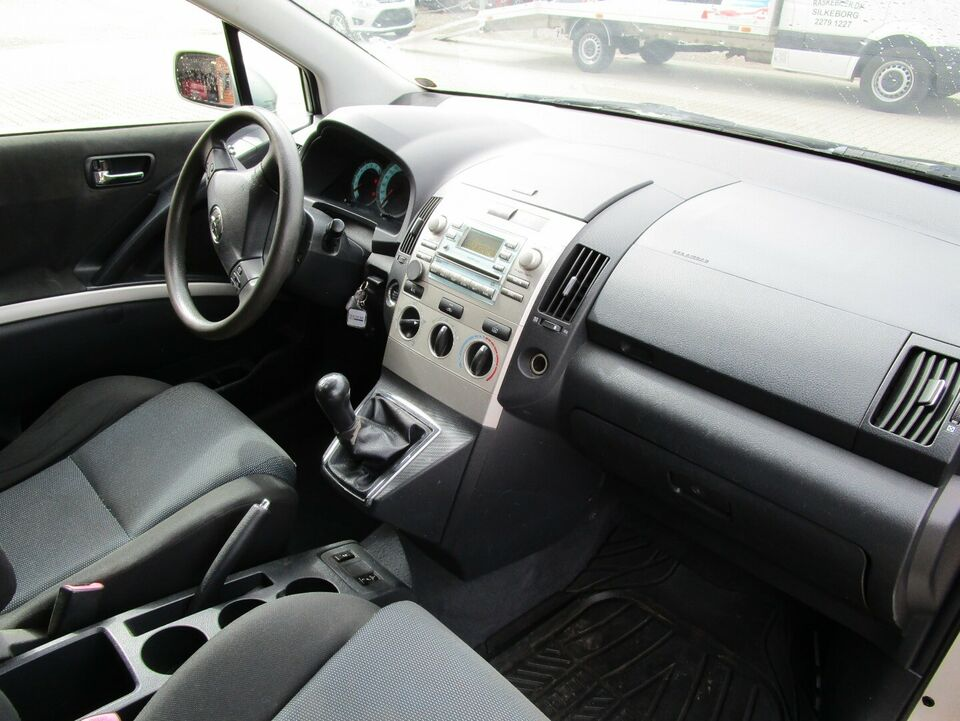Toyota Corolla Verso 1,8 Terra 7prs Benzin modelår 2006 km