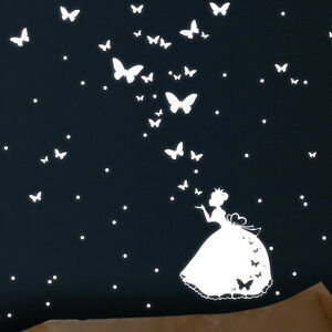 wandtattoo leuchtaufkleber prinzessin schmetterlinge leuchtpunkte leuchtend. Black Bedroom Furniture Sets. Home Design Ideas