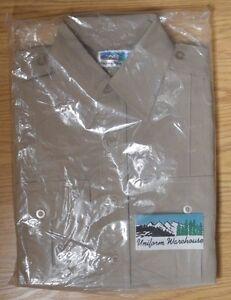 (NEW) Men's UNIFORM WAREHOUSE Button Down S/Sleeve KHAKI Shirt Sz S (14-14.5)
