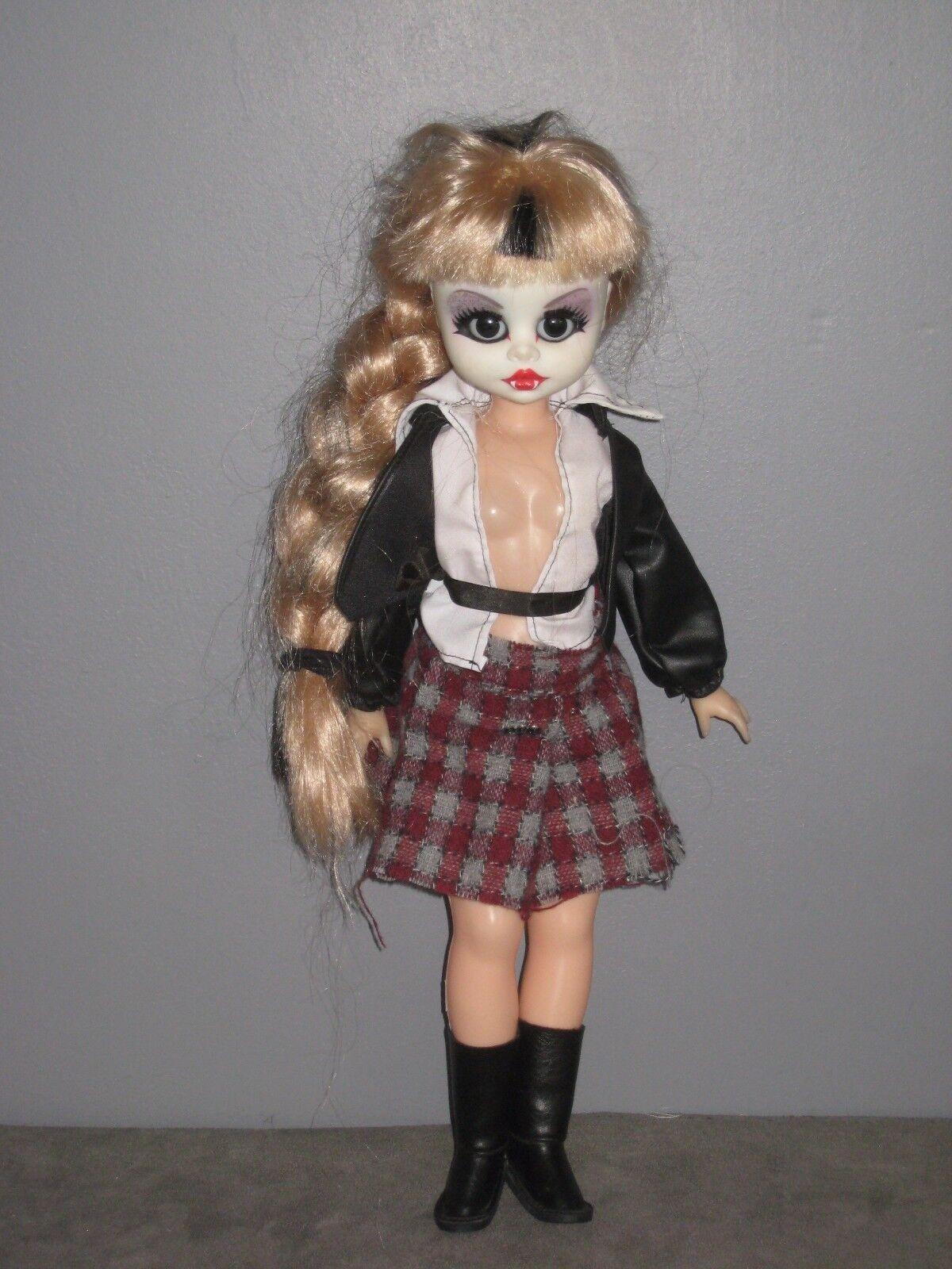 Très belle POUPÉE Blonde de style GOTHIQUE- Vampire  -  (h:46 cm)
