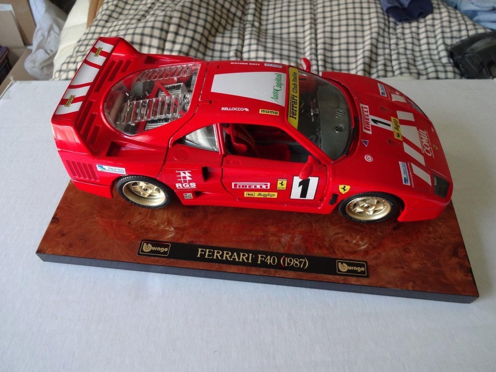 Bburago Burago Ferrari F40 Racer excecutive edición 1 18 Excelente