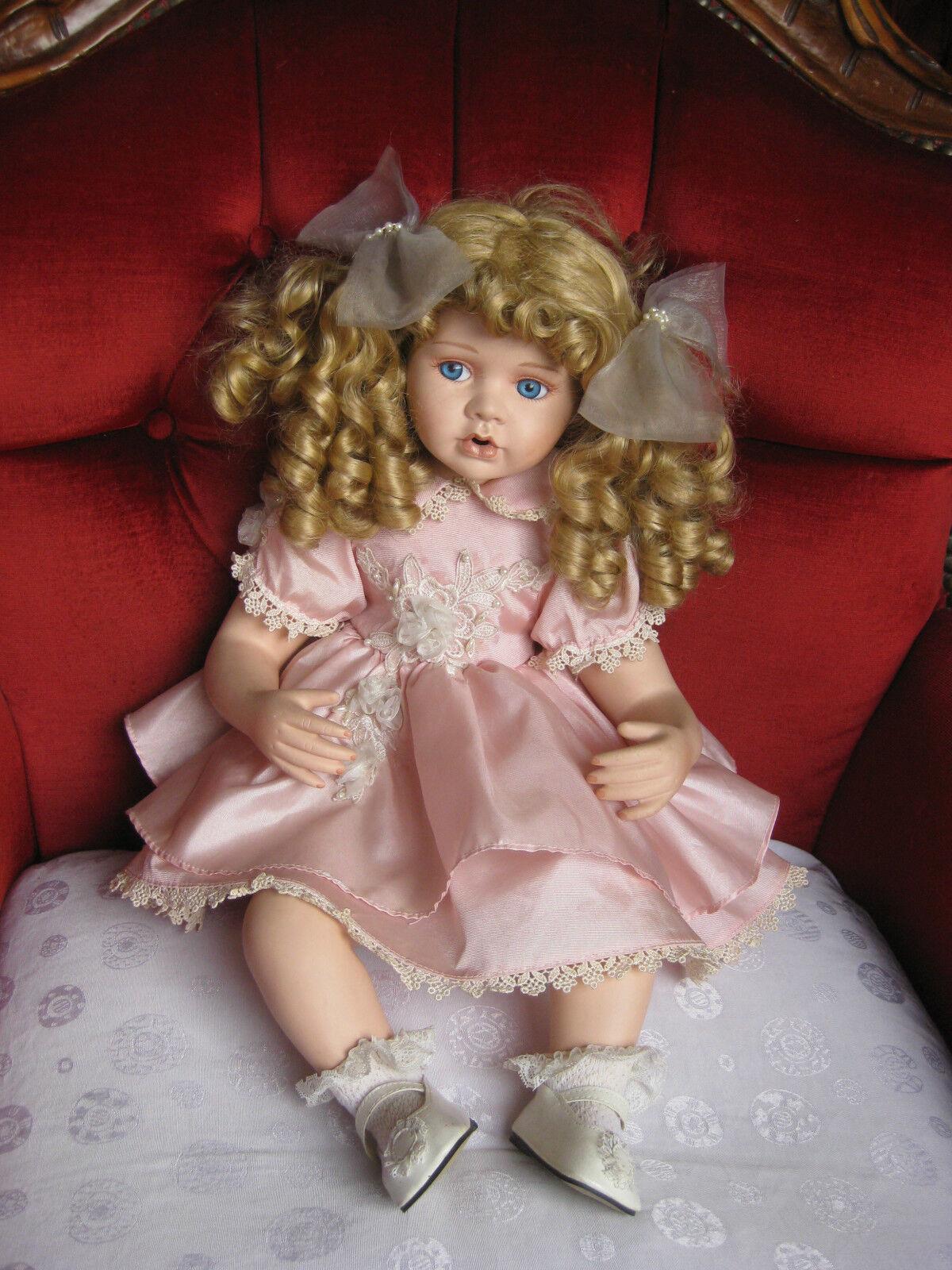 Sammlerpuppe   Court of Dolls   limitiert  Top Zustand