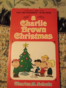 A-Charlie-Brown-Christmas-1967-Charles-M-Schulz-first-time-in-paperback-signet