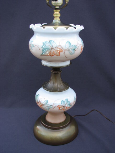 Vintage Hand Painted White Milk Glass 3 Way Table Lamp Peach Green