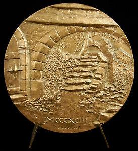Medalla-escalier-cantidad-a-la-lugar-de-la-el-ayuntamiento-amp-horno-para-pain