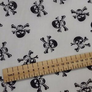 Skull and Crossbones Black Polycotton fabric 44 inch 110cm FQ Half Metres