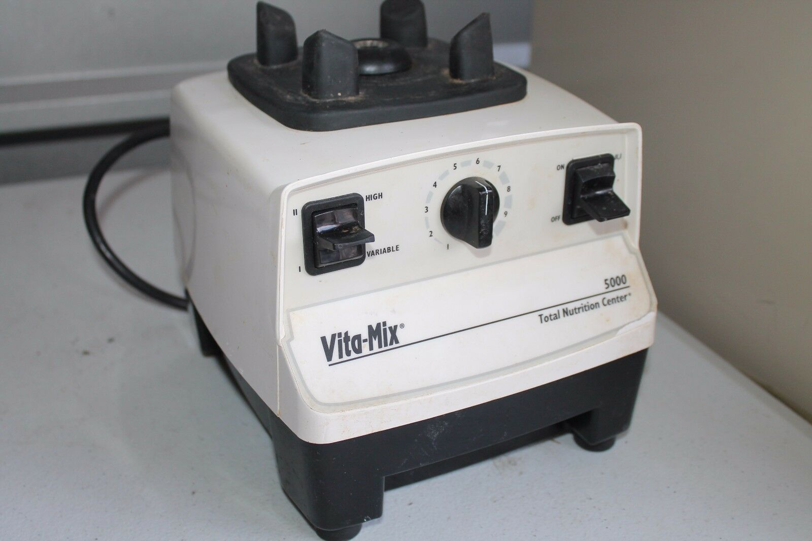 VITA-Mix Pièces de remplacement 5000 VM0103 Motor Base Blanc