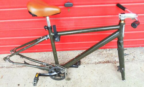 GLOBE MUTANT GT MOUNTAIN BIKE FRAME, ALI WITH SMOOTH WELDS AND STRAIGHT FORKS,