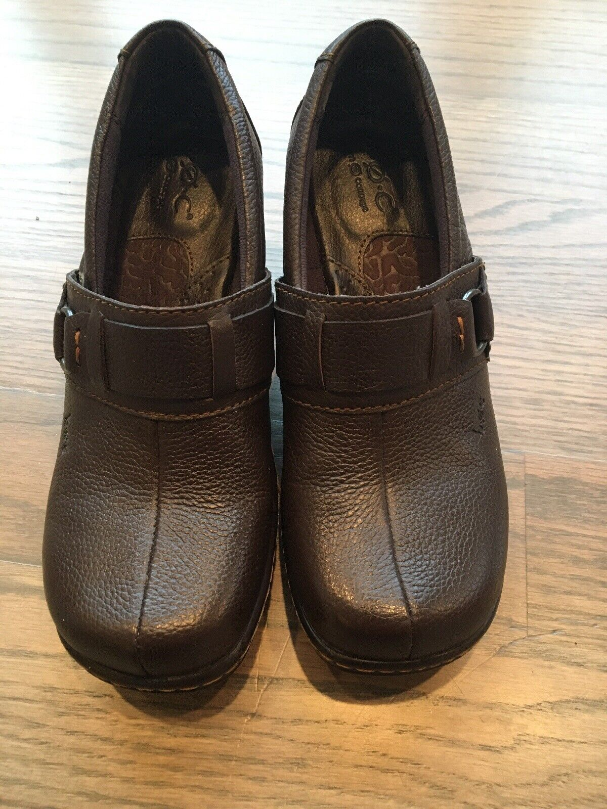B. O. C. Born Womens Brown Leather Wedge Slip On Casual Comfort Shoe Size 7M