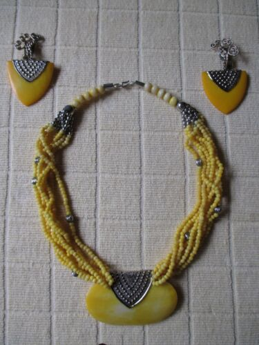 Bold Beaded Necklace Demi Parure Necklace and Earrings Set     Demi-7076a-100419011