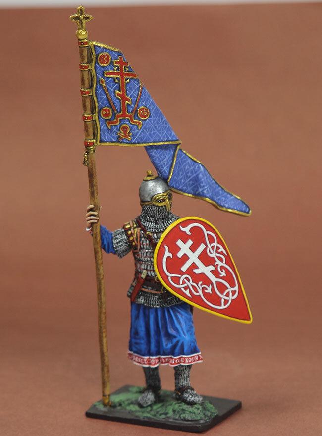 Tin 54mm Toy Soldier Druzhinnik with Standart 13 century