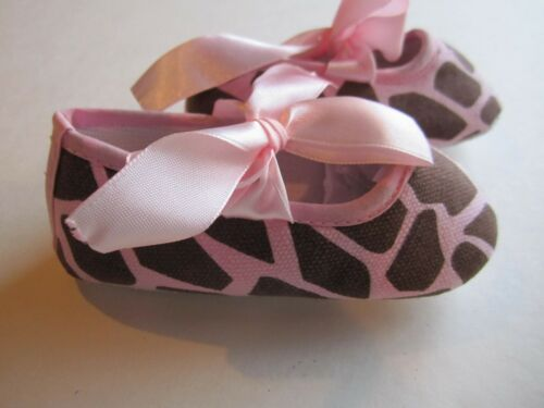 BABY GIRL CRIB SHOES WITH SATIN BOW BNEW