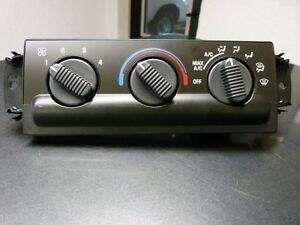 Bedienelement-Heizung-Lueftung-Klima-Blazer-S10-Jimmy-Sonoma