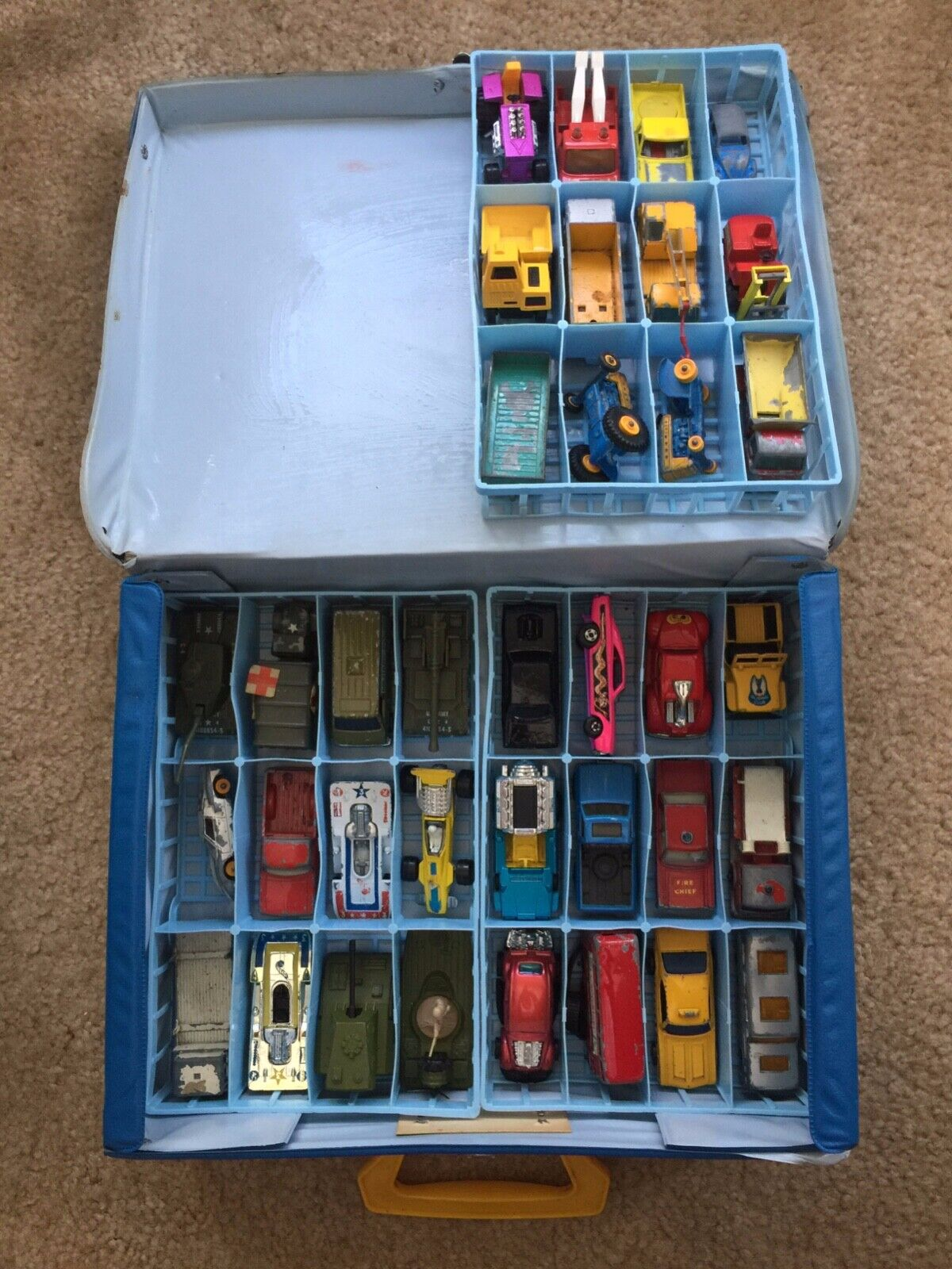 MATCHBOX CARS AND CASE LOT OF 36 CARS ALL 70'S CARS GOOD CONDITION