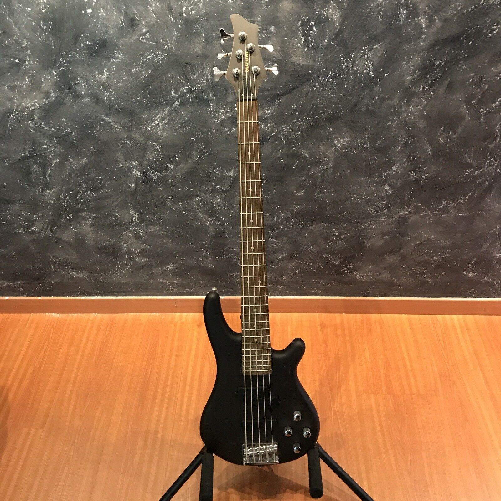 Suzuki SBA-10 5 BK10 5 String Bass Guitar