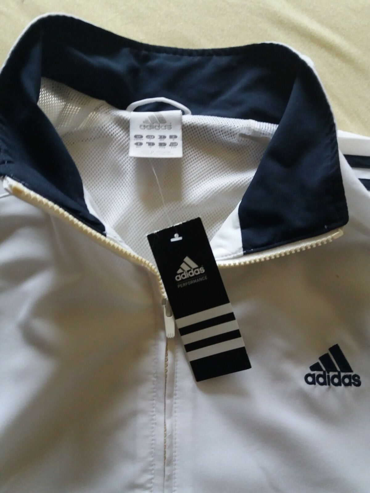 ADIDAS 8 Trainingsjacke schwarz weiß Größe 8 ADIDAS neu e00b94
