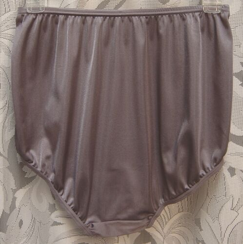 WOW~VANITY FAIR VIOLET 15712//15812 PERFECTLY YOURS NYLON BRIEFS PANTIES~6//M~NEW