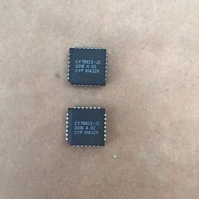 1PCS CY7B933-JI HOTLink Transmitter//Receiver
