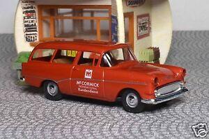 Opel-Rekord-P1-Caravan-039-McCormick-Kundendienst-039-Brekina-20026