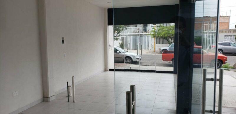SE RENTA LOCAL COMERCIAL EN ARBOLEDAS