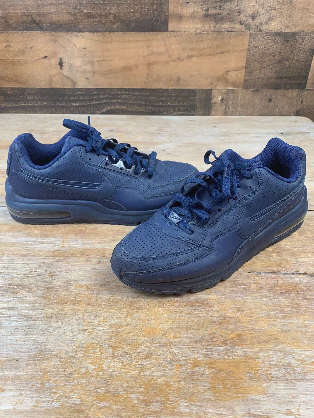 Nike Wmns Air Max 1 Ultra Lotc Qs & New York 747105 001 Shoes Womens Outlet