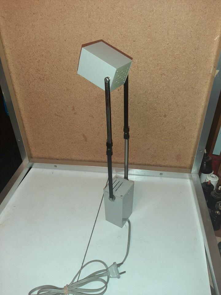 Verner Panton, Lampetit Grå, bordlampe