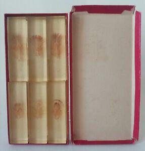 6 Porte-Couteaux en résine inclusion de Plumes avec boite Vintage vers 1960 / 70