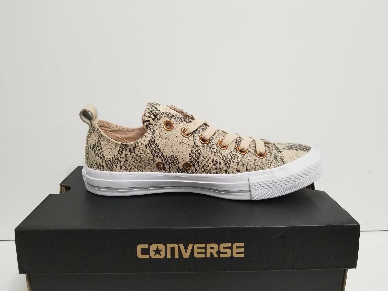 WMNS CONVERSE OX CHUCK TAYLOR ALL STAR LOOP OX CONVERSE IVORY CREAM/WEISS/DOLPHIN 555213C 3e0268