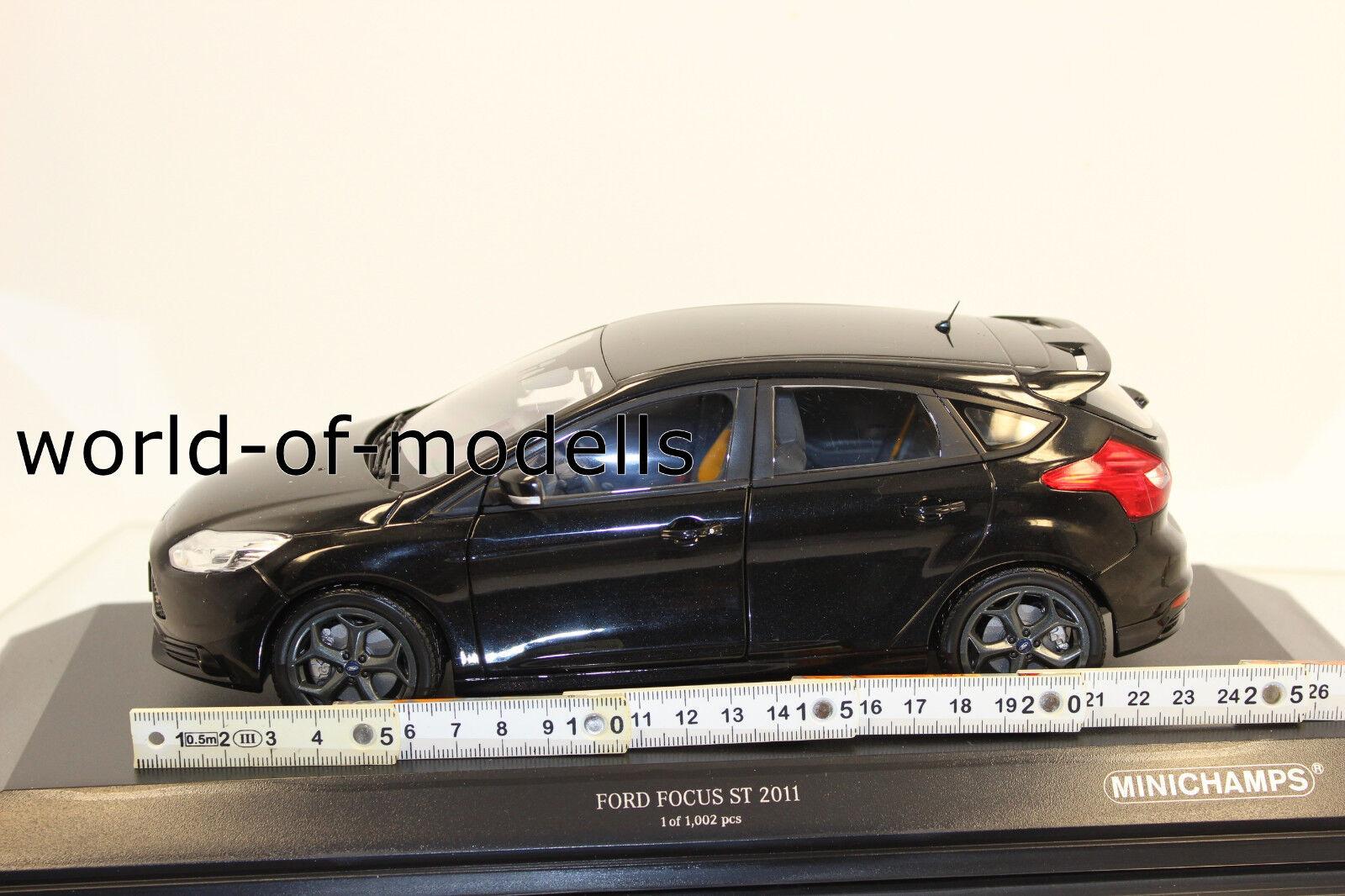 Minichamps 110082000 Ford Focus ST 2011 schwarz 1 18 NEU in OVP  | Erste Klasse in seiner Klasse