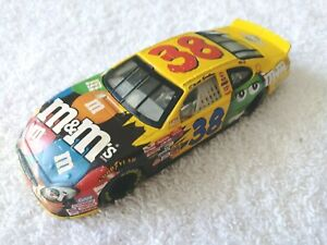 2003-Elliott-Sadler-38-M-amp-M-039-s-Ford-Taurus-1-24-Action-Die-Cast