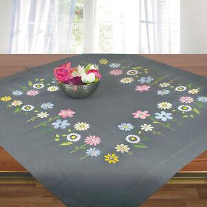 Stickpackung-Spannstich-Mitteldecke-grau-Blumenwiese-mit-Garn-vorgedruckt