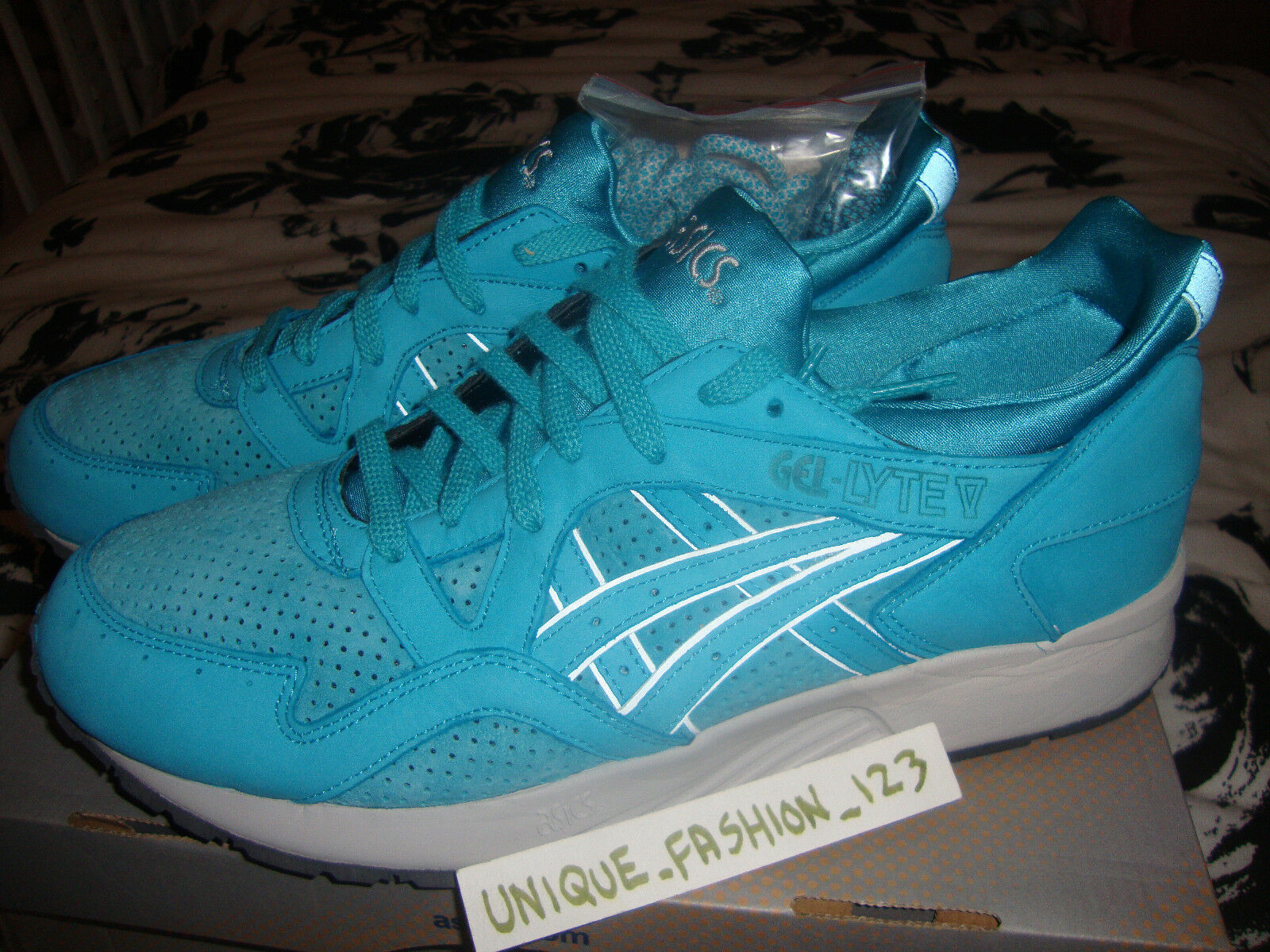 ASICS GEL LYTE V 5 RONNIE FIEG KITH COVE US 11.5 UK 10.5 45 ROSE Sage Comme neuf or