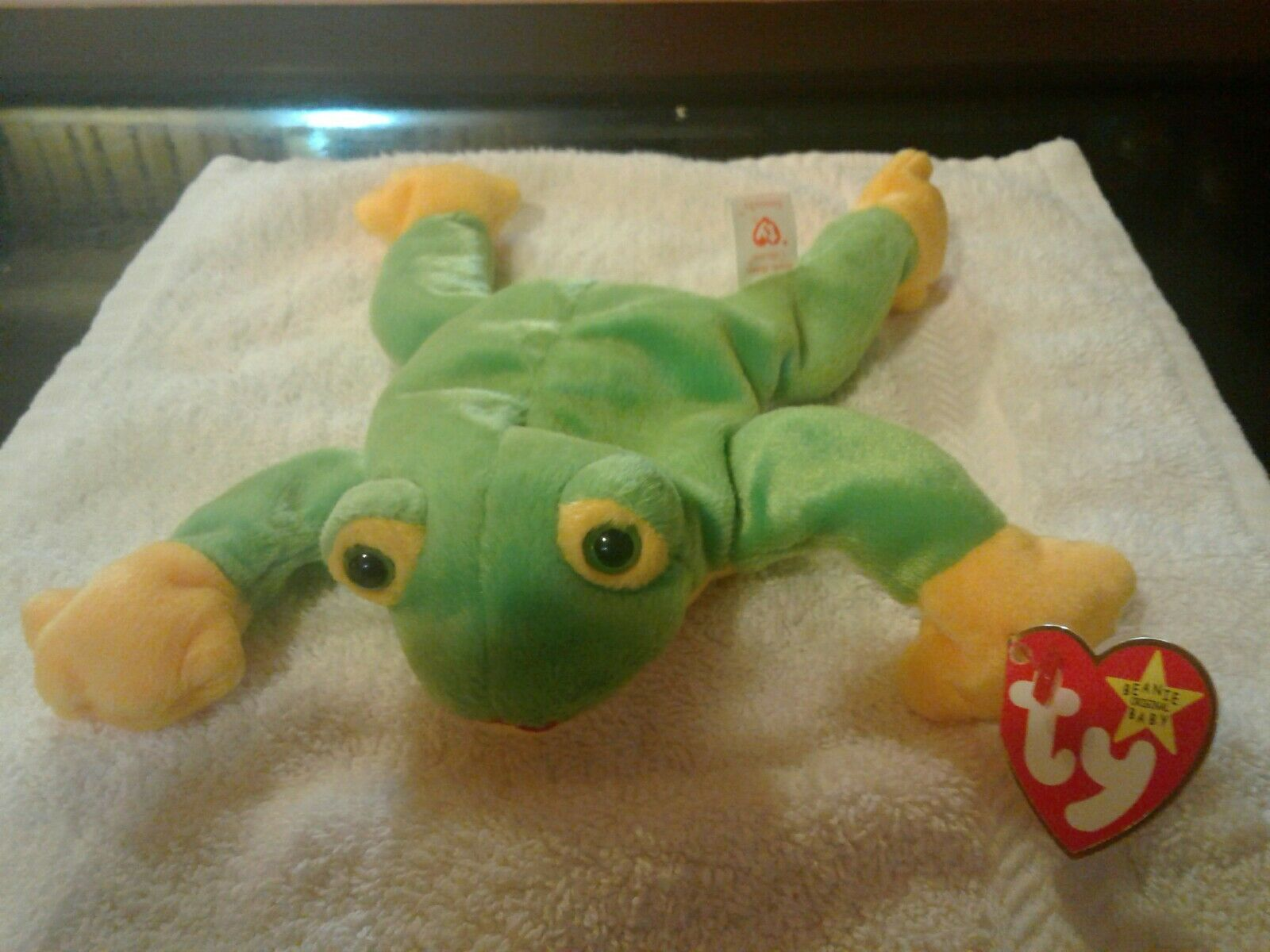 Ty Beanie Baby Smoochy The Frog- Brand Brand Brand New- Rare Retired- P.E. Pellets- 1997 c22b41