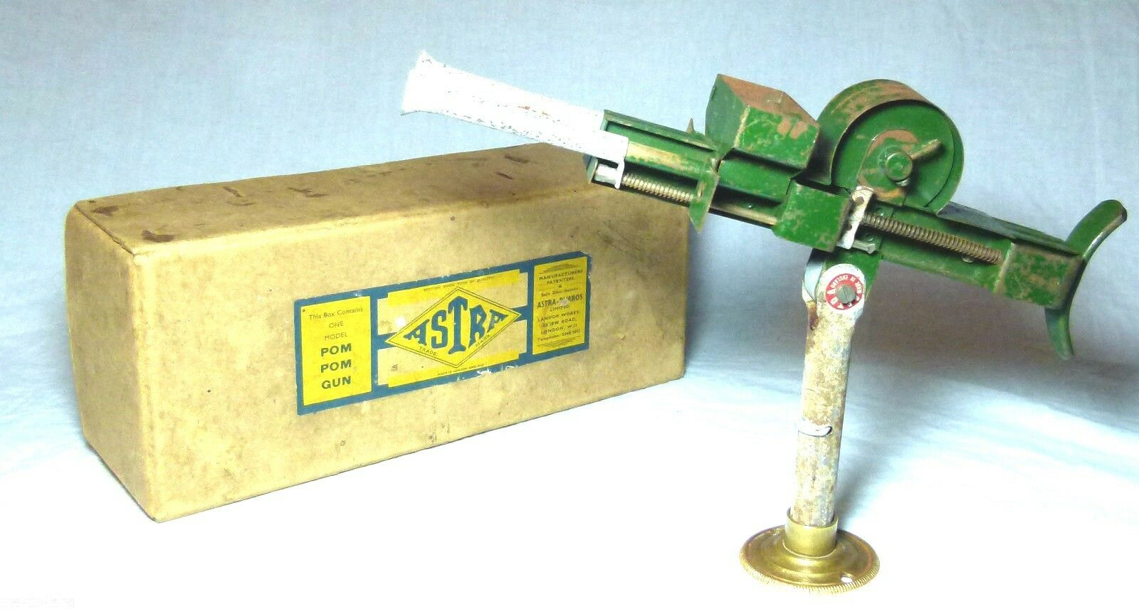 VERY SCARCE BOXED TINPLATE TIN TOY ASTRA NO.25 POM POM ANTI-AIRCRAFT GUN