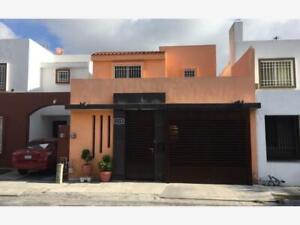 Casa en Venta en CUMBRES SAN AGUSTIN 2 SECTOR