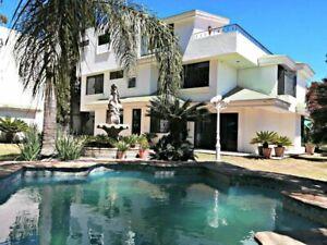 Excelente Residencia Con Alberca, El Palomar Secc. Panorámica