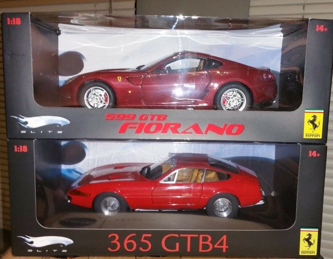Lote de 2 modelos de Ferrari. 1 365 GTB 4 y 1 599 GTB Fiorano 1 18 Hot Wheels Elite