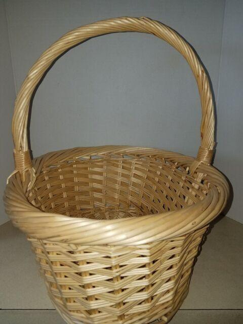 Large Tan Sturdy Wicker Woven Basket With Handle Ebay
